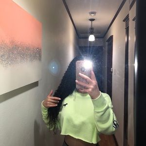 Cropped neon hoodie from pink